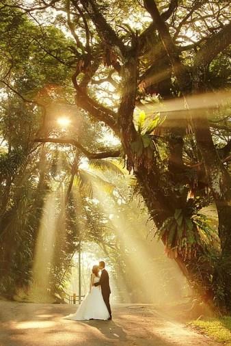 Casal com luz solar