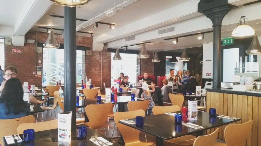 Our Pizza Express experience in Victoria Square, Belfast - Click through to see what we thought!