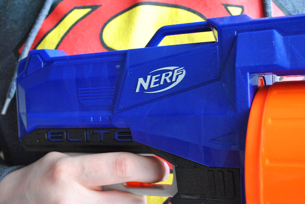 Nerf wars with the N-Strike Elite Surgefire | Review - Super