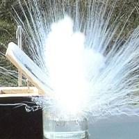 Litowce woda i eksplozja gotowa. Filmy