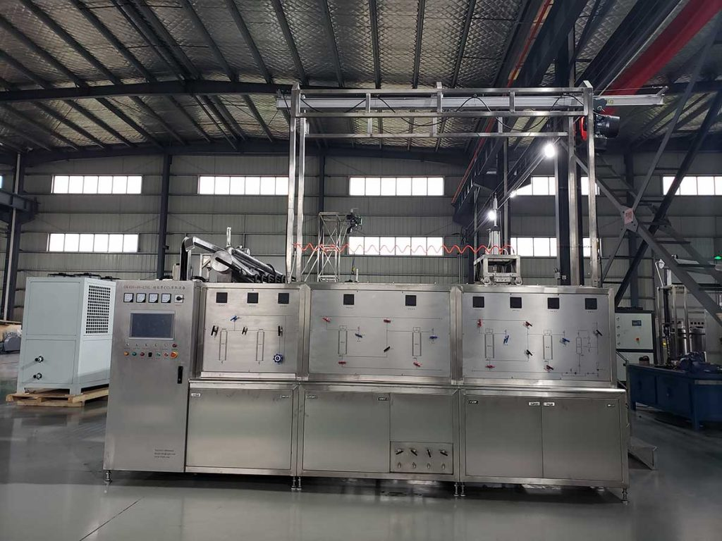 Plant essential oil CO2 extraction machine