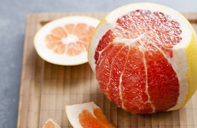 Supercritical CO2 extraction of orange olein from honey pomelo peel