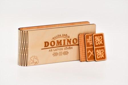 Domino ar latvju zīmēm