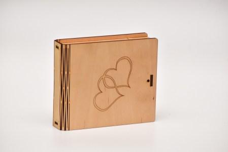Krūžu paliktņu 8 kastīte (sirsniņas kopā)