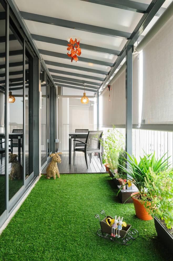 30 Interesting Window or Balcony Plants Decoration Ideas on Backyard Balcony Ideas id=41772