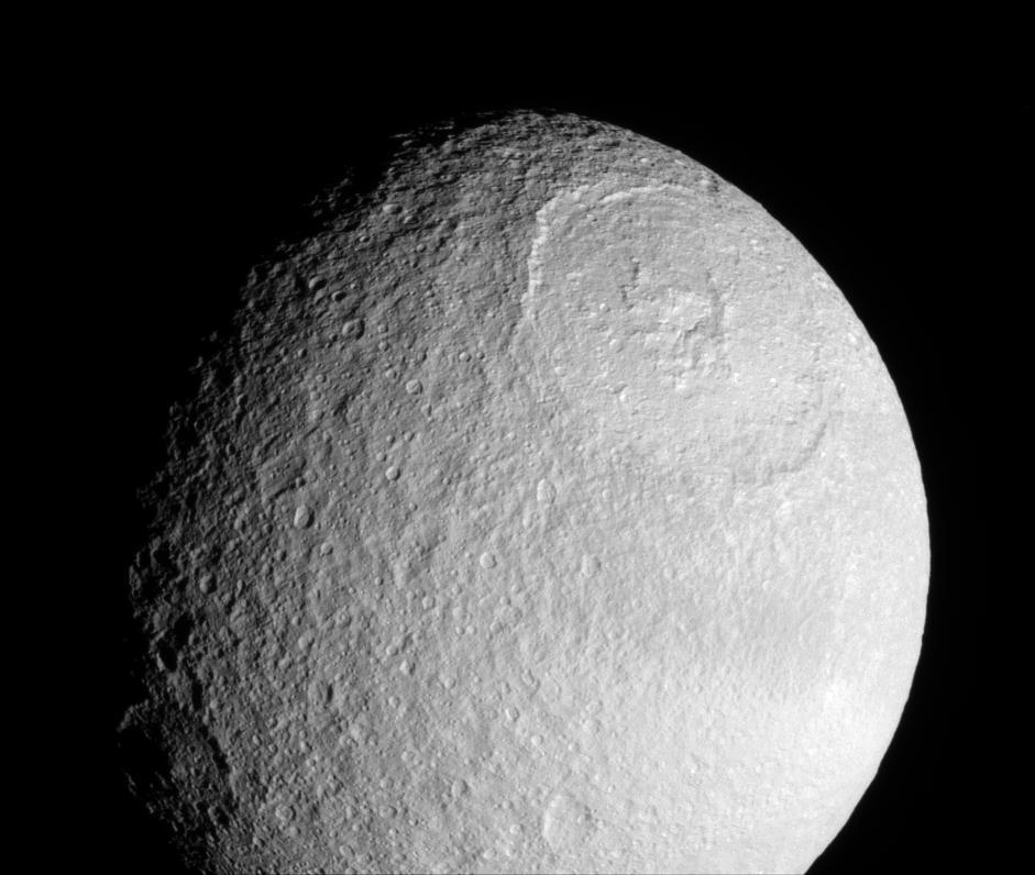 Satürnün uydusu Tetis