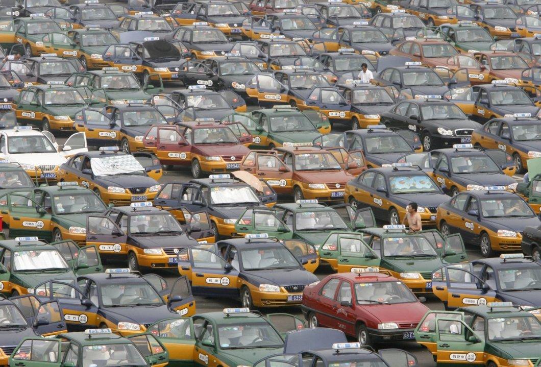 Pekin havaalanı taksi kuyruğu