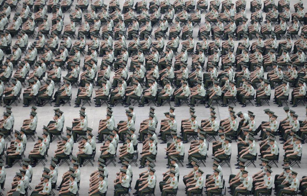 Çin polisi bir seminerde