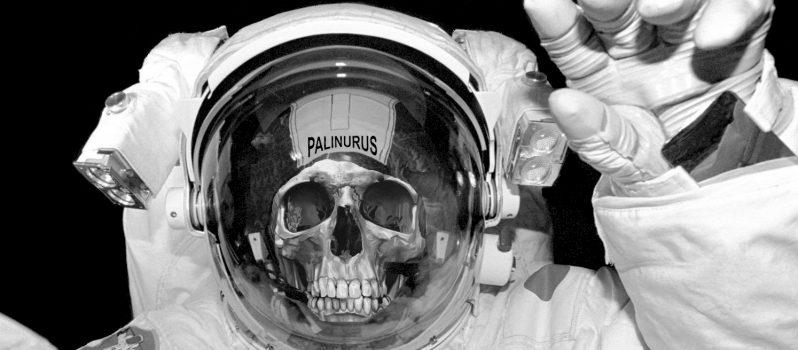 Dead-astronaut-798x350