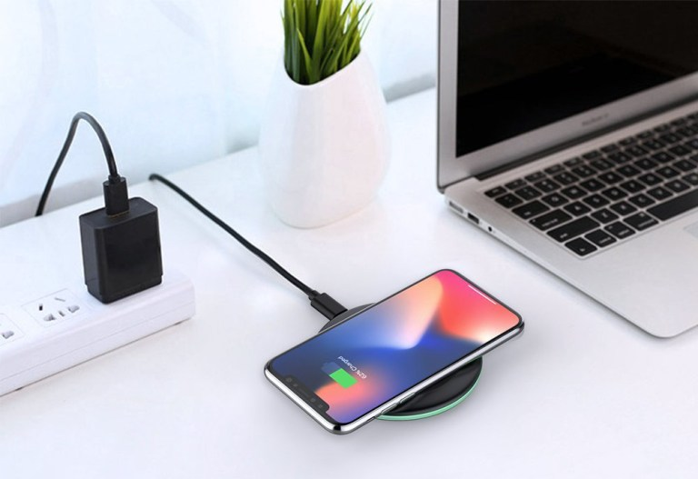 Superior Digital News - Yootech Wireless Charger Qi-Certified - 10W, 7.5W, and 5W - iPhone XS & XS Max