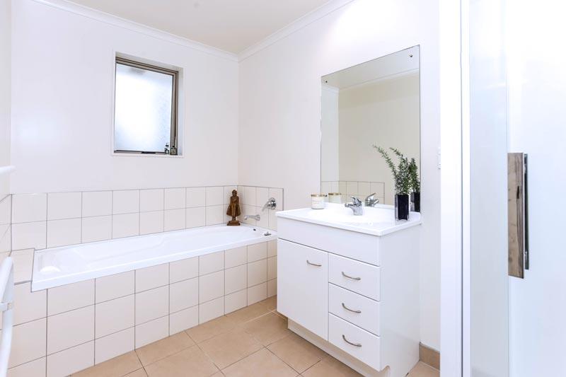 Bathroom renovation cost calculator for auckland homes - Bathroom construction cost estimator ...