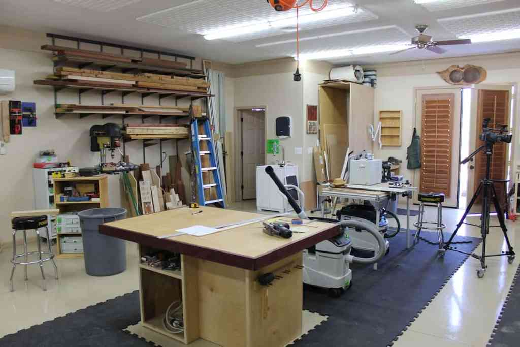 Photo of a clean workshop