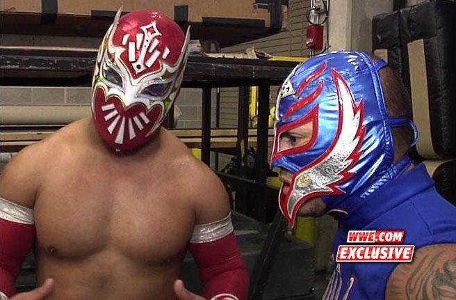 Sin Cara y Rey Mysterio / WWE.com Exclusive