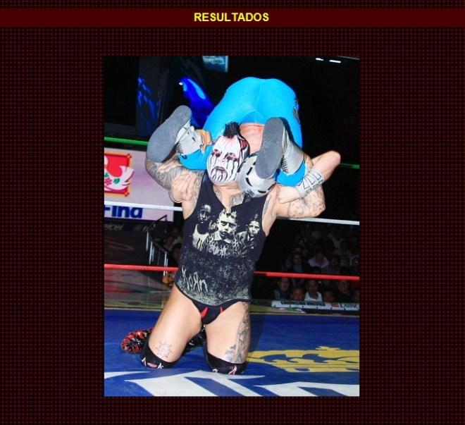 Demus 3:16 vs. Stukita (en su presentación oficial) / Función de Navidad - Arena México - 25 de diciembre de 2012 / www.cmll.com