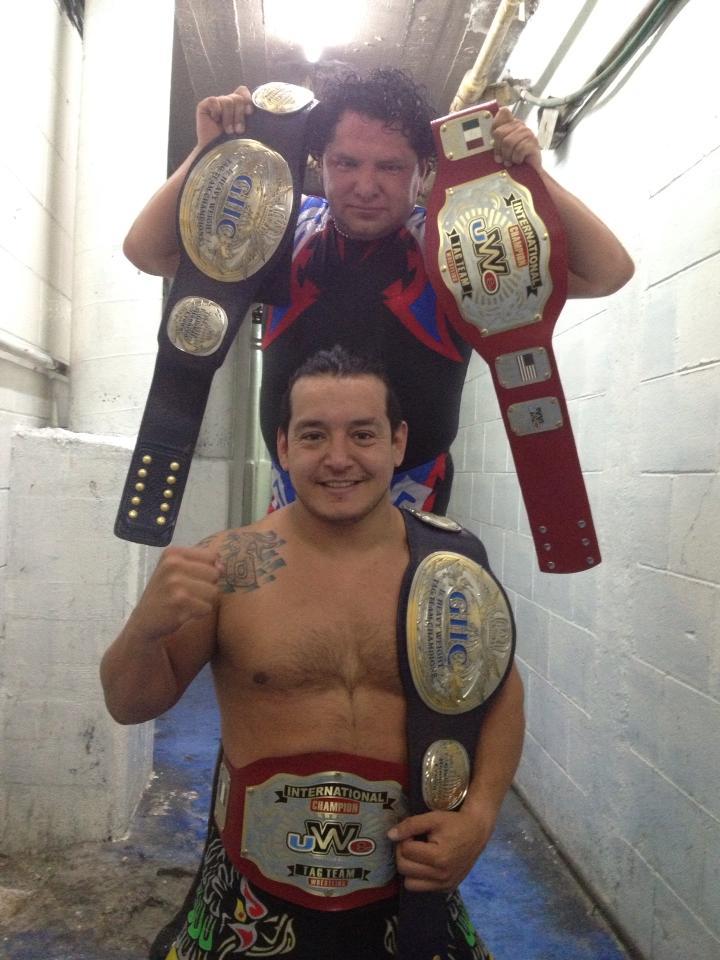 Ricky Marvin y Súper Crazy nuevos Campeones de Parejas UWE / Imagen de Super Crazy en Facebook
