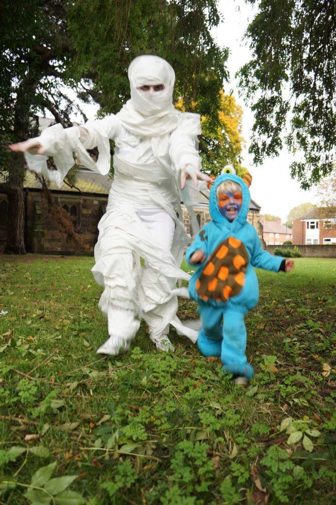 Easy toilet roll mummy costume!