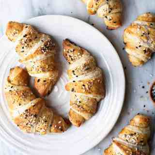 everything pretzel croissants | superman cooks