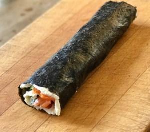 Low-Carb-Sushi aufgerollt