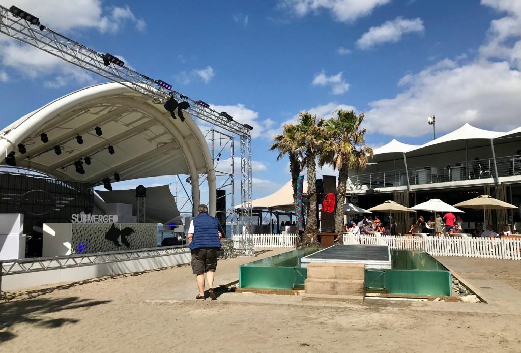 Shimmy Beach Club: Bühne