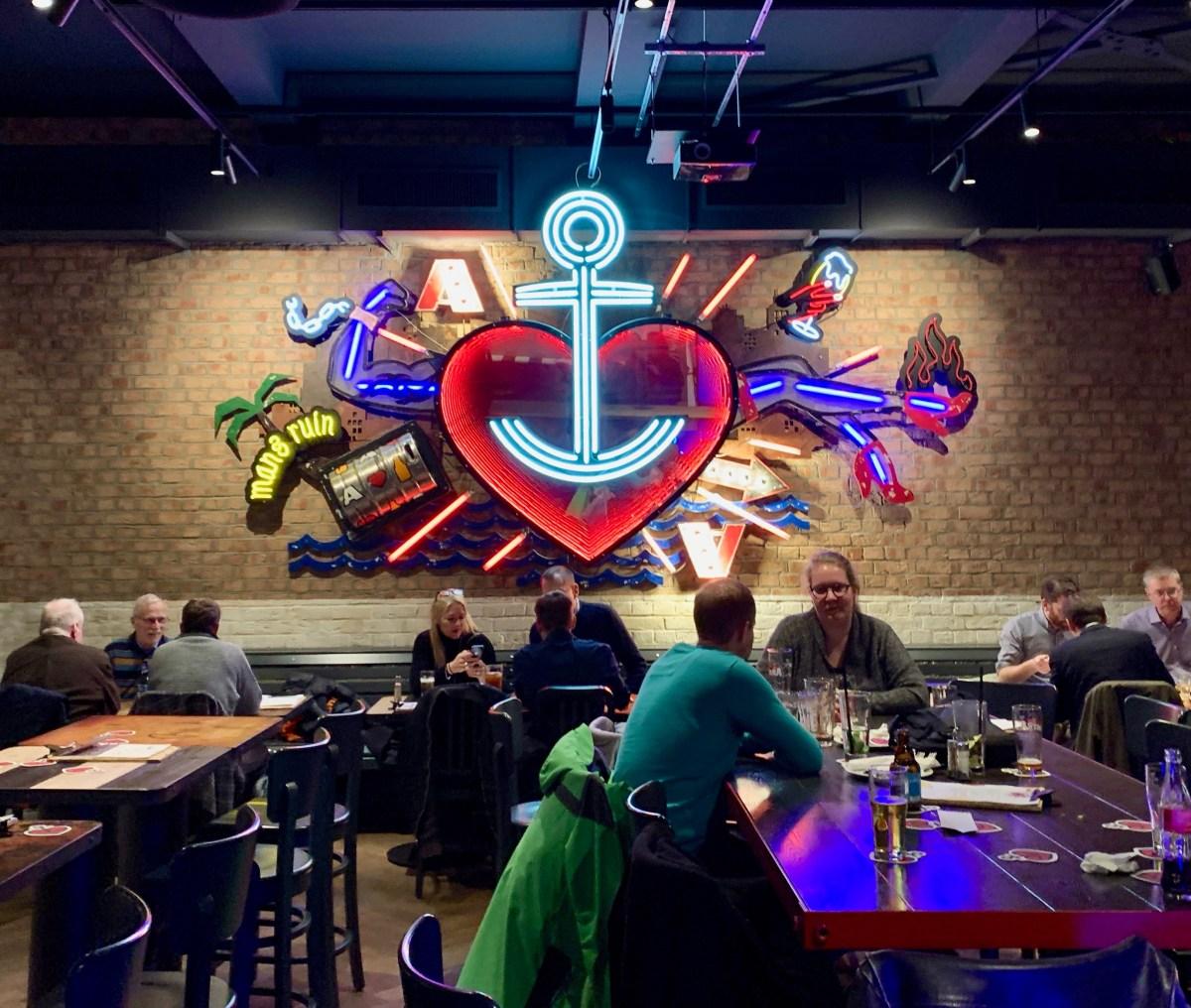 Astra Brauerei: Wand-Neon