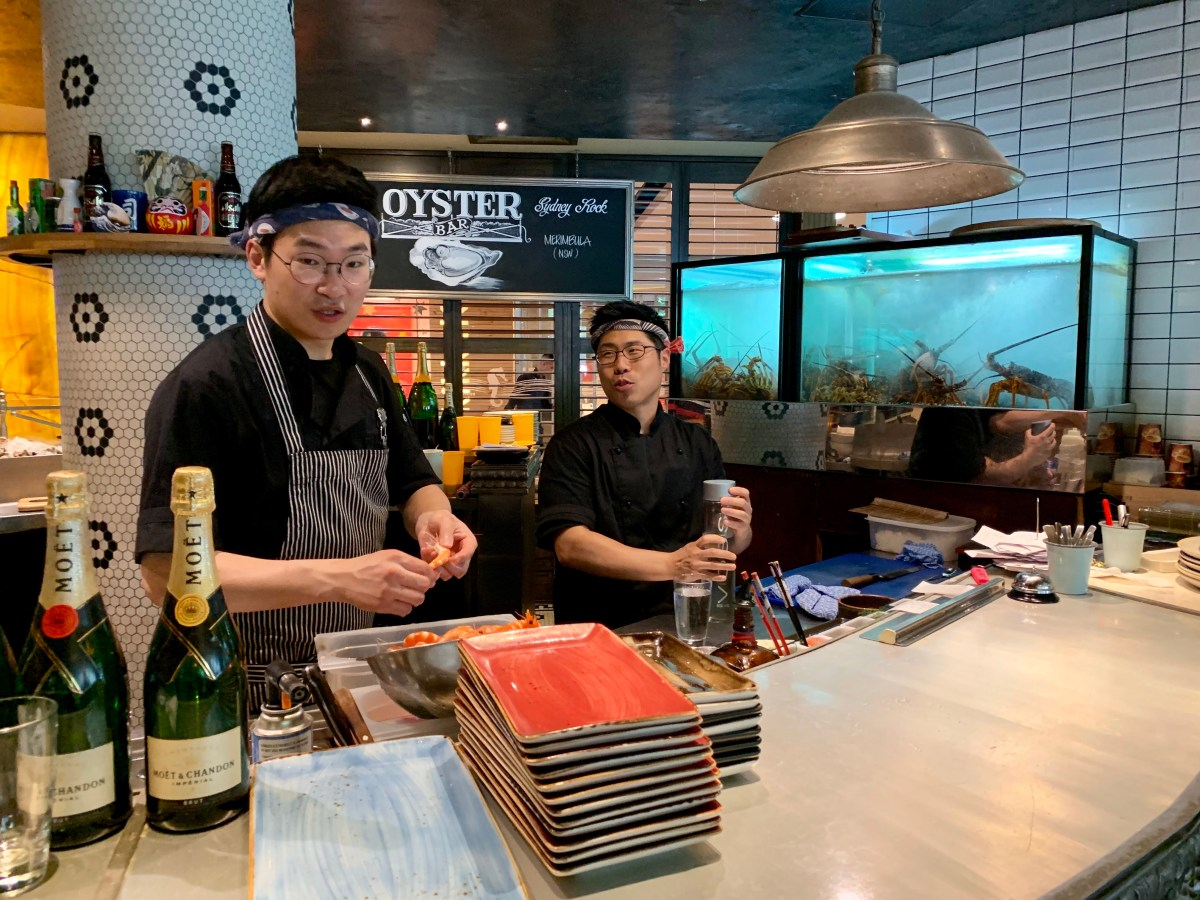 Melbourne: Seafood Bar and Grill Sushi-Theke