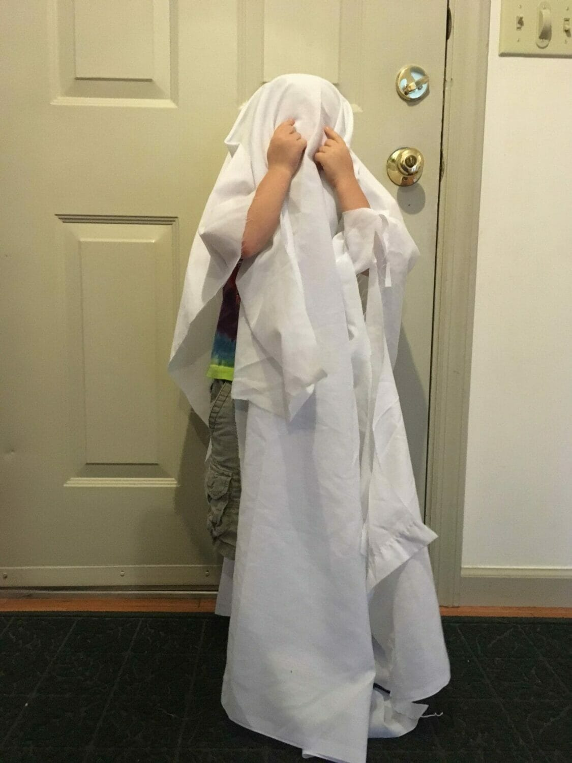 How To Make A Ghost Costume (Itu0027s Harder Than Youu0027d ... & How To Make A Ghost Costume (Itu0027s Harder Than Youu0027d Think!) - Super ...