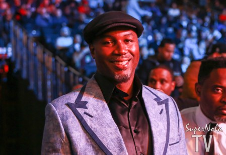 HALL OF FAME HEAVYWEIGHT BOXER LENNOX LEWIS