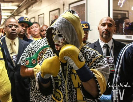 DANNY GARCIA SHADOW BOXING INTHE HALLWAY RIGHT BEFORE HIS FIGHT