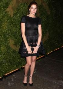 Mais uma que não percebeu que seu vestido era transparente demais: Stephanie Seymour (lembra dela de November Rain dos Guns n'Roses?).