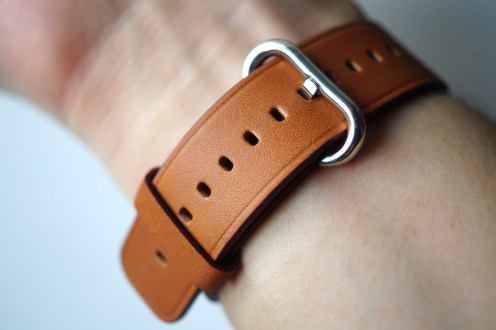 hoco new classic buckle saddle brown 32