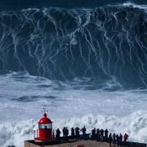 Las monstruosas olas que enloquecen a surfistas de todo el mundo y que te dejarán boquiabierto