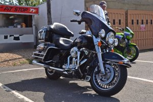 big black harley 700x467