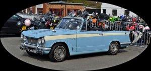 Triumph Herald oval 700x329