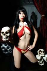 Vampirella74-1-2glow