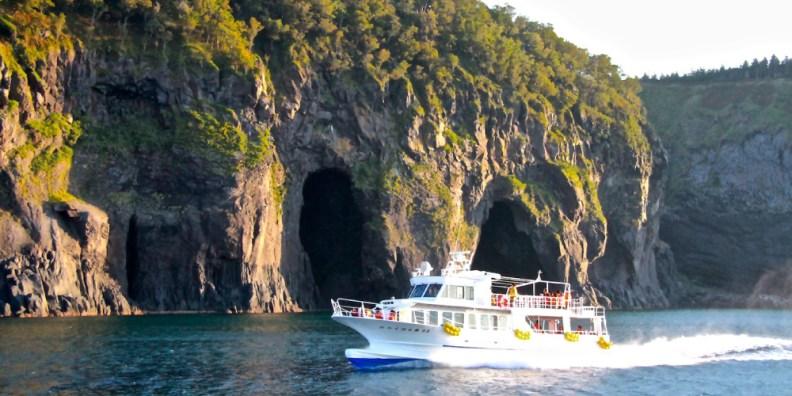 Sightseeing boats Shiretoko