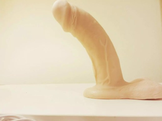VixSkin Johnny review: curved and realistic dual-density dildo 39