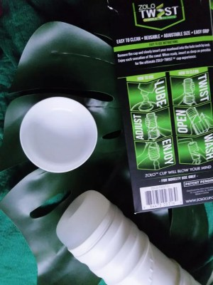 Zolo Twist Anaconda packaging and stroker cap