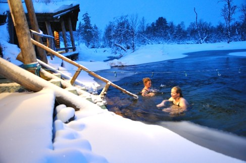 Finnish Saunas and Ice bath experience The Iceman cometh. Cold water showers. Benefits of cold water bathing. Hydrotherapy. Lifestyle. Super Soldier Project.
