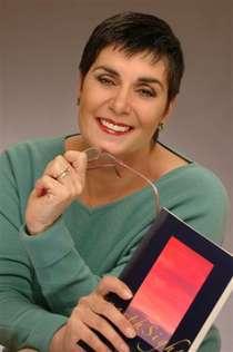 Lois Roma-Deeley