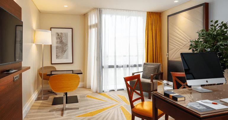 Marriott transforma quartos em escritórios