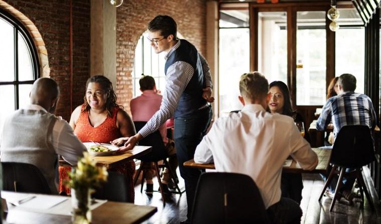faits surprenants nouvelle zélande retirer assiettes restaurant