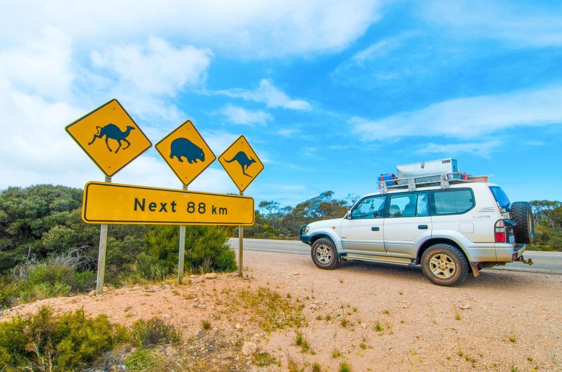 nullarbor sign road trip perth-melbourne