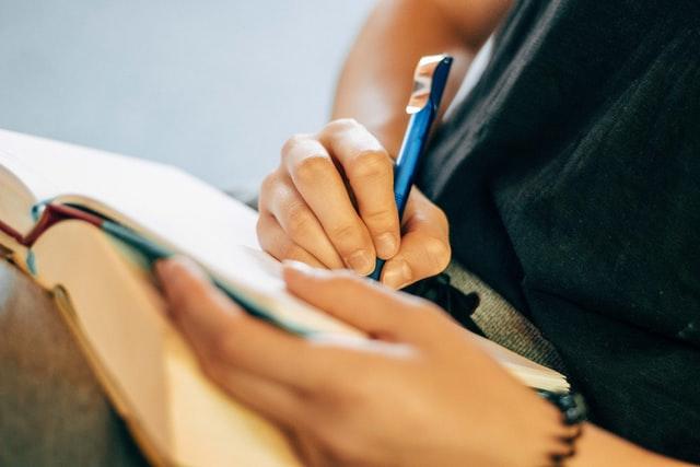 Read more about the article Style rédactionnel : 12 conseils pour vous perfectionner
