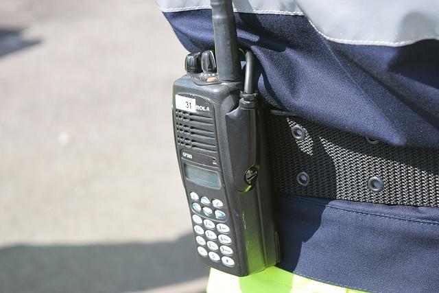 walkie-talkie-780306_640