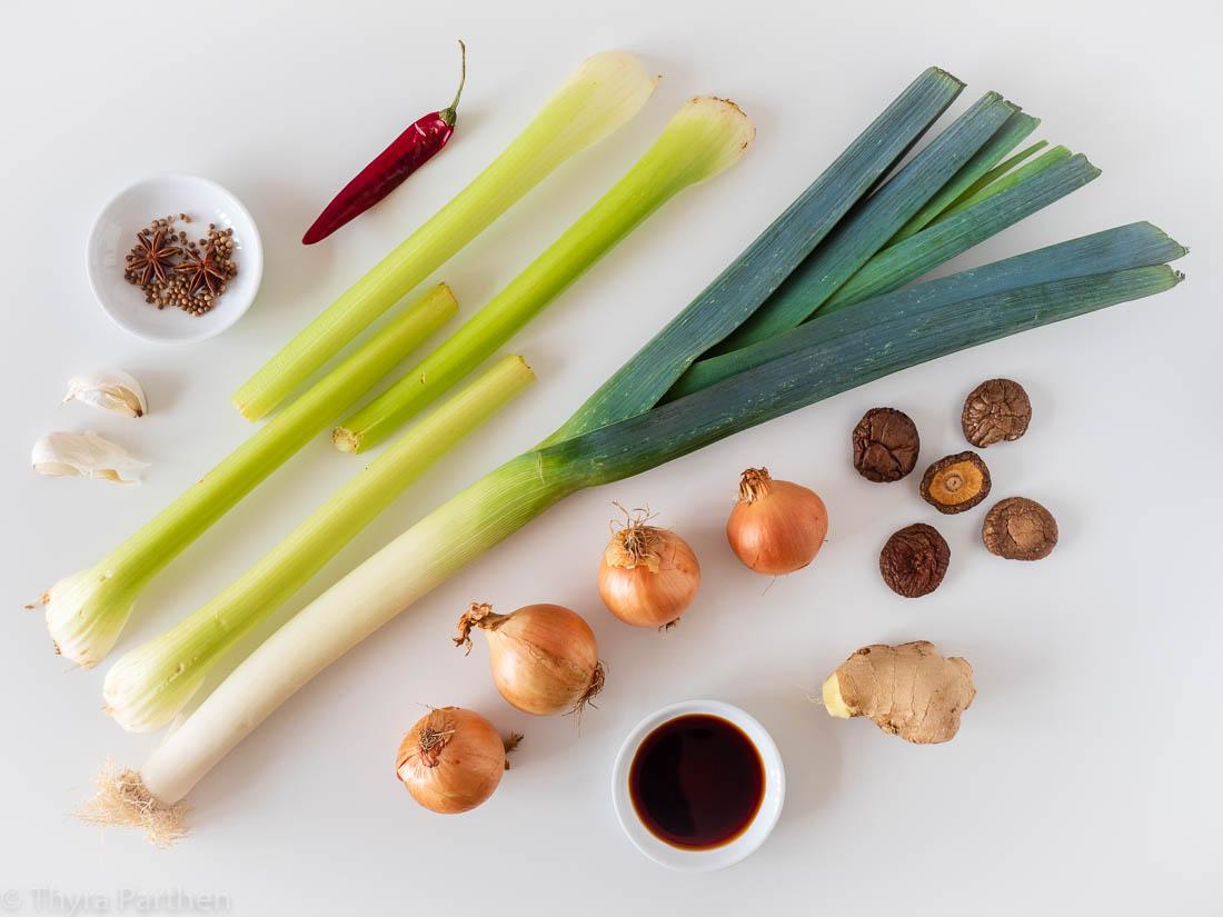 Zutaten für vegetarische Kraftbrühe