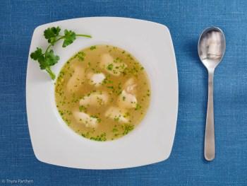 Hühnersuppe mit Gremolata