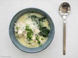 Reissuppe mit Hähnchen und Zitrone