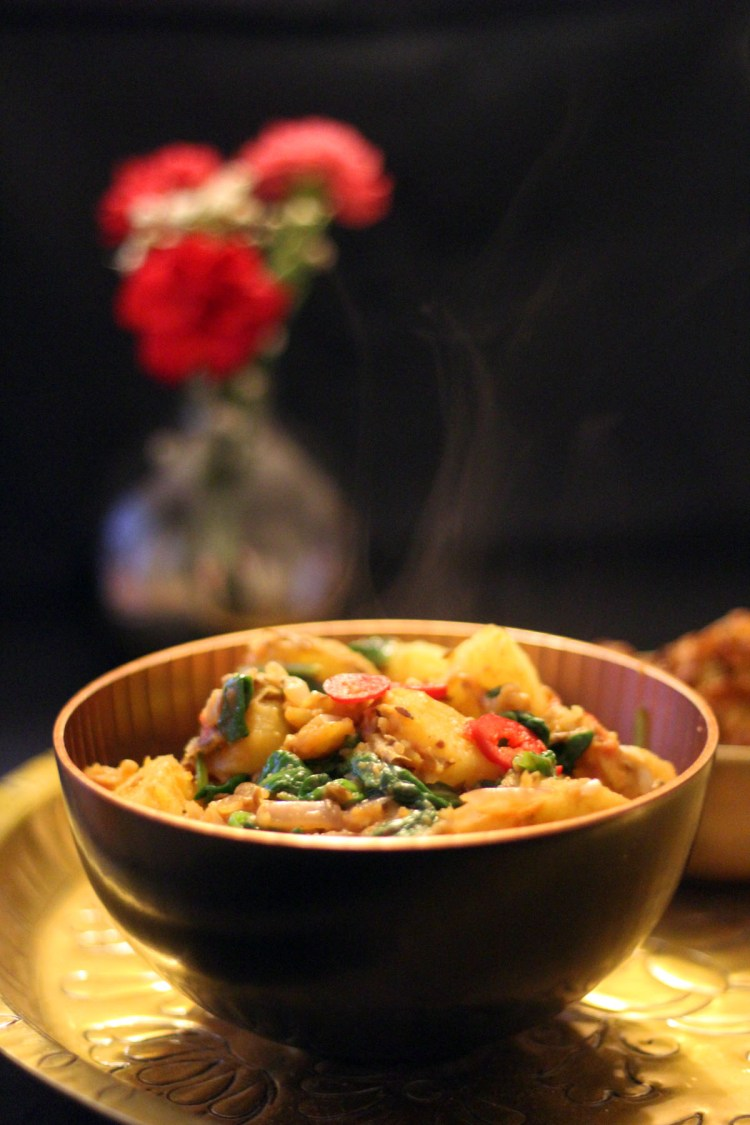 This steaming bowl of saag aloo is as delicious as the take away but a lot healthier. find the recipe here!