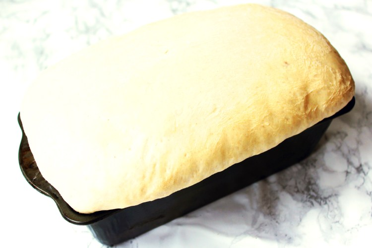 Baking a white sandwich loaf of bread doesn't have to be difficult. Find out how to bake the perfect loaf of bread every time without a bread maker in sight! Get the recipe at Supper in the Suburbs.