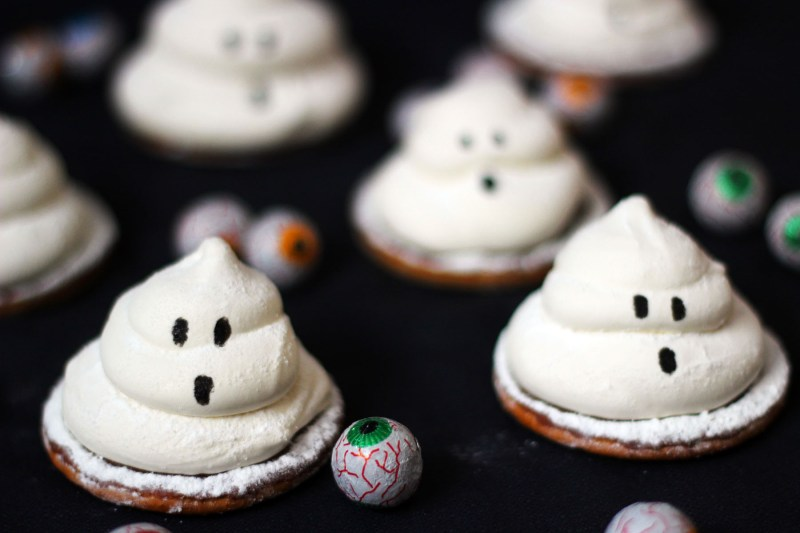Terrifying teacakes made from marshmallow ghosts from Supper in the Suburbs